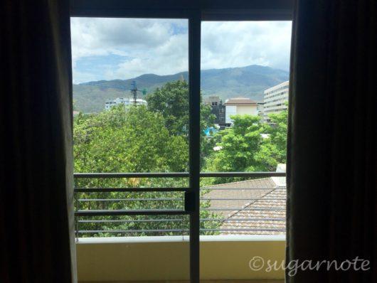 チェンマイアパート, Chiang Mai Apartment