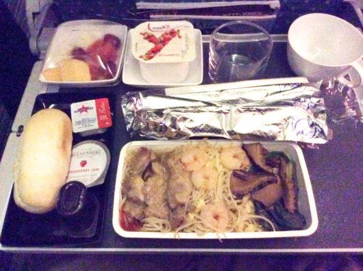 シンガポール航空, ボーイング777-300ER, エコノミーキャビン朝食
