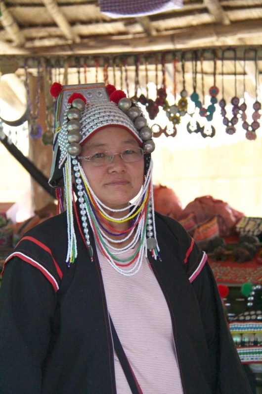 Aha, アカ族の女性