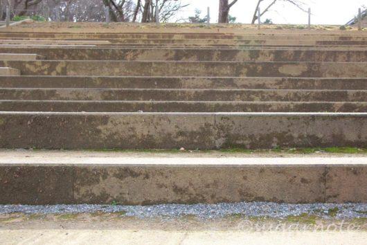 金沢城公園, Kanazawa Castle Park, 段差が違う階段, 大手門口の階段