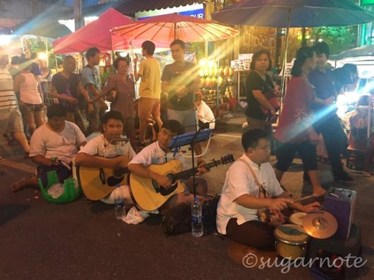 Sunday Night Market in the Old City, Chaing Mai, チェンマイのサンデーナイトマーケット