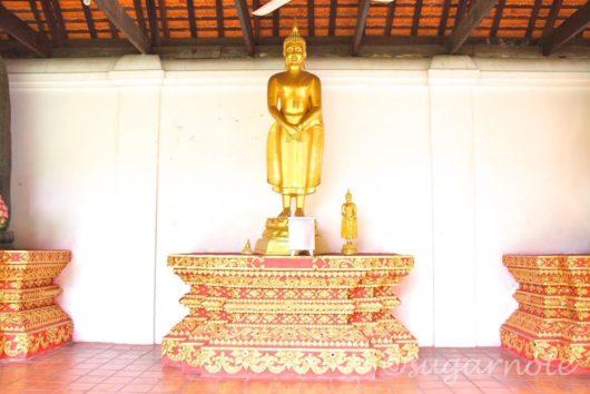 ワット・プラ・タート・ハリプーンチャイ, Wat Phra That Hariphunchai, Sunday Buddha Image, 日曜仏陀仏像
