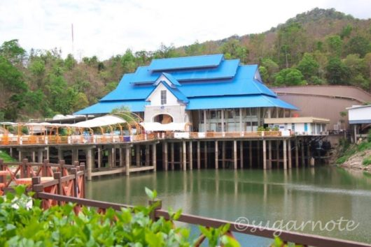 Chiangmai Zoo Aquarium, チェンマイ動物園内水族館